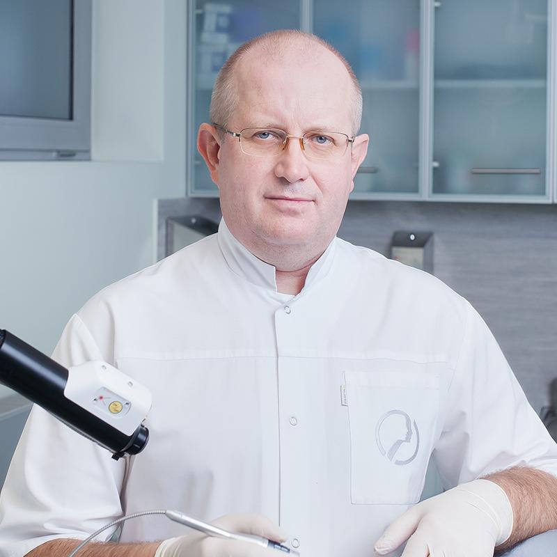dr Piotr Kończak